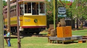 There's A Magical Trolley Ride In Arkansas That Most People Don't Know About