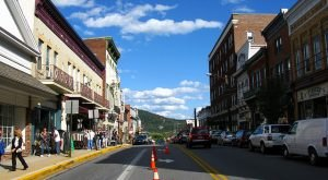 This Charming Town Near Pittsburgh Is Picture Perfect For An Autumn Day Trip