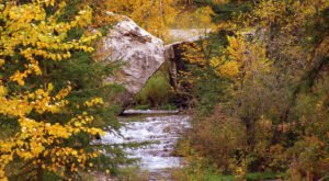 This Charming South Dakota Town Is Picture Perfect For An Autumn Day Trip