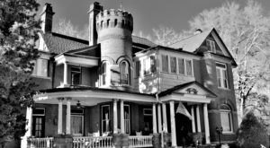The Story Behind This Haunted Castle In Georgia Will Chill You To The Bone