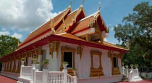 The One Temple In Florida Everyone Must Visit At Least Once