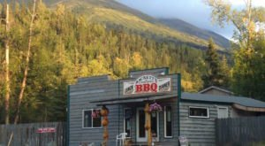 20 Unassuming Restaurants To Add To Your Alaska Dining Bucket List