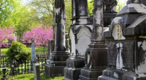 These 10 Haunted Cemeteries In Arkansas Are Not For the Faint of Heart