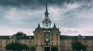 Step Inside One Of The Most Famous Abandoned Psychiatric Hospitals In America