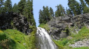 The Beautiful 2-Mile Hike In Oregon That Leads To An Enchanting Hidden Waterfall