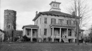 The Story Behind This Haunted Castle In Alabama Will Chill You To The Bone
