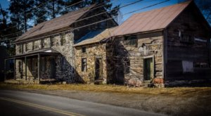 This Abandoned Blacksmith Shop In America's Midwest Is A Slice Of Colonial History