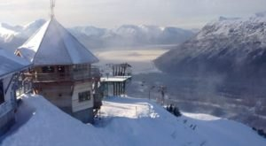 This Restaurant In Alaska Is Located In The Most Unforgettable Setting