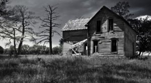 There's Nothing More Terrifying Than These 10 Genuinely Haunted Houses In Iowa