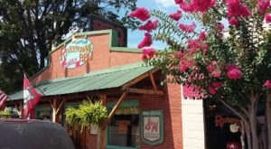 The Tiny Town In Arkansas With The Most Mouthwatering Restaurant