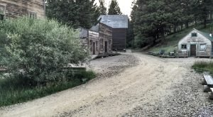 Take These 5 Haunted Hiking Trails In Montana If You Dare