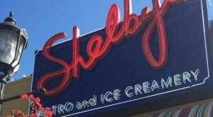 This Old-Fashioned Ice Cream Parlor In Washington Will Make You Feel Like A Kid Again
