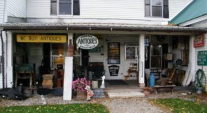 This Charming Maine Town Is Picture Perfect For An Autumn Day Trip