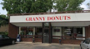 Visit This Little Donut Shop In Minnesota For The Best Apple Fritters Of Your Life