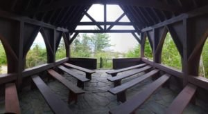 The Chapel In Maine That's Located In The Most Unforgettable Setting