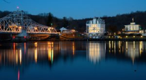The Little Town In Connecticut That Might Just Be The Most Unique Town In The World