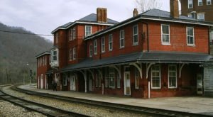 The Historic Railroad Town In West Virginia Everyone Should Visit At Least Once
