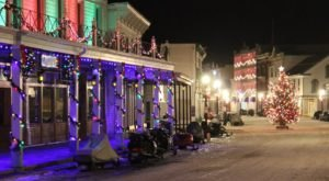10 Main Streets In Michigan That Are Pure Magic During Christmastime