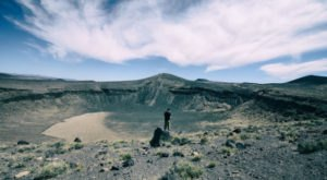 Most People Have No Idea This Massive Crater In The Middle Of Nowhere In Nevada Even Exists