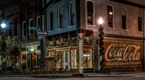 Here Are The 10 Most Enchanting, Magical Christmas Towns In Georgia