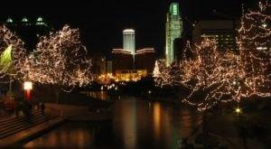 10 Christmas Light Displays In Nebraska That Are Pure Magic