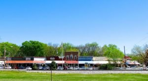 Most People Don't Know These 7 Super Tiny Towns Near Nashville Exist