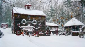 Oakwood Farm Christmas Barn In Massachusetts Is Simply Magical