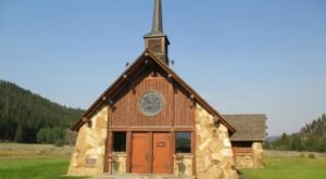 The Chapel In Montana That's Located In The Most Unforgettable Setting