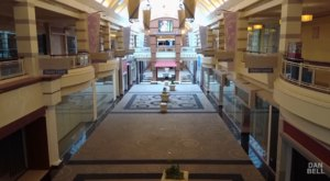 Step Inside An Abandoned Ohio Mall That's Eerily Well Preserved