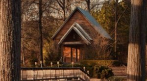 The Chapel In Mississippi That's Located In The Most Unforgettable Setting