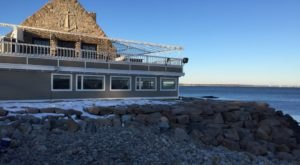 10 Incredible Waterfront Restaurants Everyone In Rhode Island Must Visit