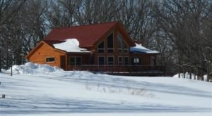 Here Are 11 Of The Coziest Winter Retreats You Can Find In Iowa