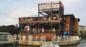 11 Incredible Waterfront Restaurants Everyone In South Carolina Must Visit