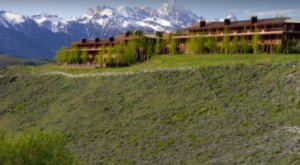 The Lodge In Wyoming That Will Take You A Million Miles Away From It All