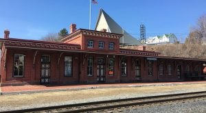 A Train-Themed Restaurant In Pennsylvania, Tamaqua Station Is Full Of Sweet Nostalgia