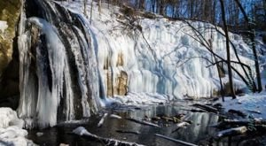 12 Gorgeous Frozen Waterfalls In Wisconsin That Must Be Seen To Be Believed