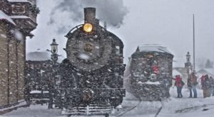 Board Santa's Paradise Express In Pennsylvania For A Magical Experience