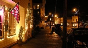8 Main Streets In Oregon That Are Pure Magic During Christmastime