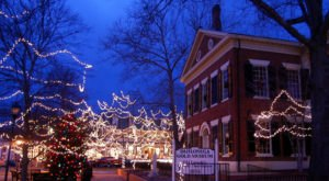 13 Main Streets In Georgia That Are Pure Magic During Christmastime
