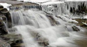8 Gorgeous Frozen Waterfalls In Indiana That Must Be Seen To Be Believed