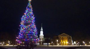 9 Main Streets In New Hampshire That Are Pure Magic During Christmastime