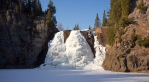 10 Gorgeous Frozen Waterfalls In Minnesota That Must Be Seen To Be Believed