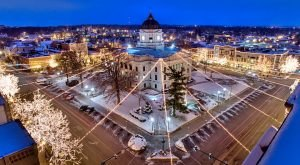 9 Main Streets In Indiana That Are Pure Magic During Christmastime