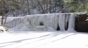 8 Gorgeous Frozen Waterfalls In Kentucky That Must Be Seen To Be Believed