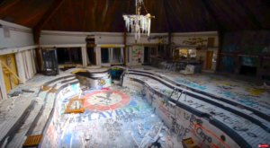 A Playboy Mansion From The 1970s Is Rotting In Tennessee And It's Mesmerizing