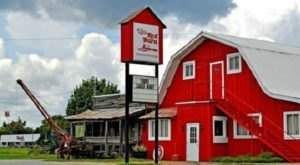 This Barn In Alabama Is Actually A Restaurant And You Need To Visit