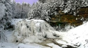 8 Gorgeous Frozen Waterfalls In West Virginia That Must Be Seen To Be Believed