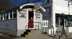These 11 Extremely Tiny Restaurants In Massachusetts Are Actually Amazing
