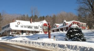 The Christmas Themed Restaurant In New Hampshire You Absolutely Must Visit