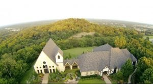 The Chapel In Oklahoma That's Located In The Most Unforgettable Setting